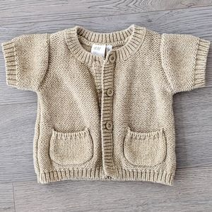 ⭐3/20 H & M short sleeve sweater size 4-6 month